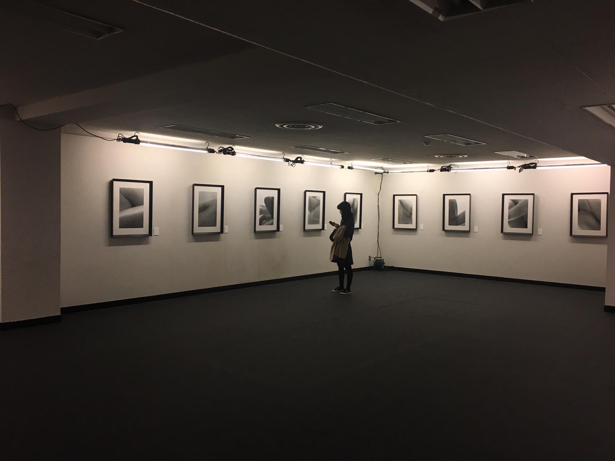 昨年パリフォトに出展された森田恭通氏の作品 女性の体の美しさを表している