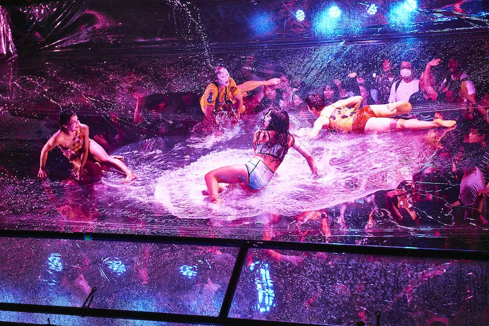 巨大プールを上から撮影 (C)Keiko Tanabe
