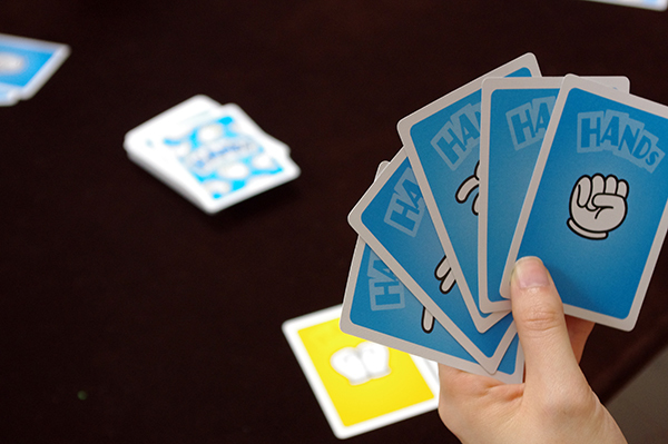 ハンドサインのカードがたくさんあります