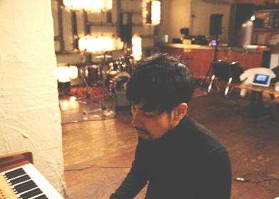 明星/Akeboshi 映画『鈴木家の嘘』主題歌「点と線」のMVを公開 木竜麻生がリボンで可憐に踊る