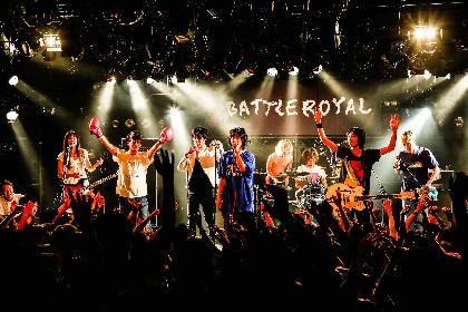a flood of circle、対バンツアーで爆弾ジョニーと競演「俺たちは前に進むだけだから」