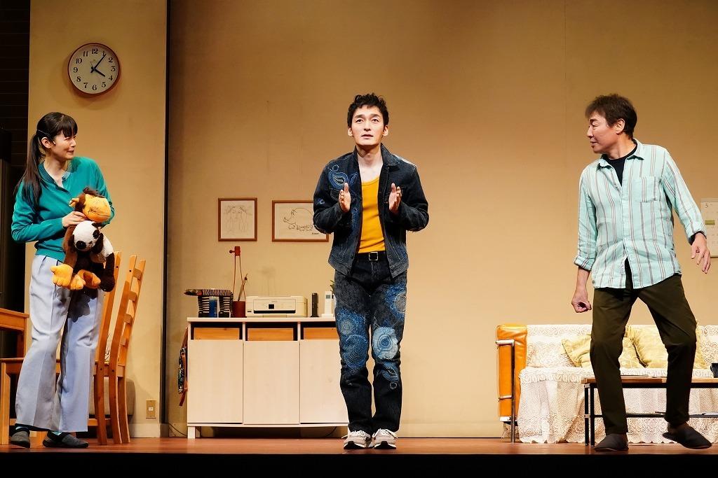 (左から)小西真奈美、草彅剛、羽場裕一  撮影:田中亜紀