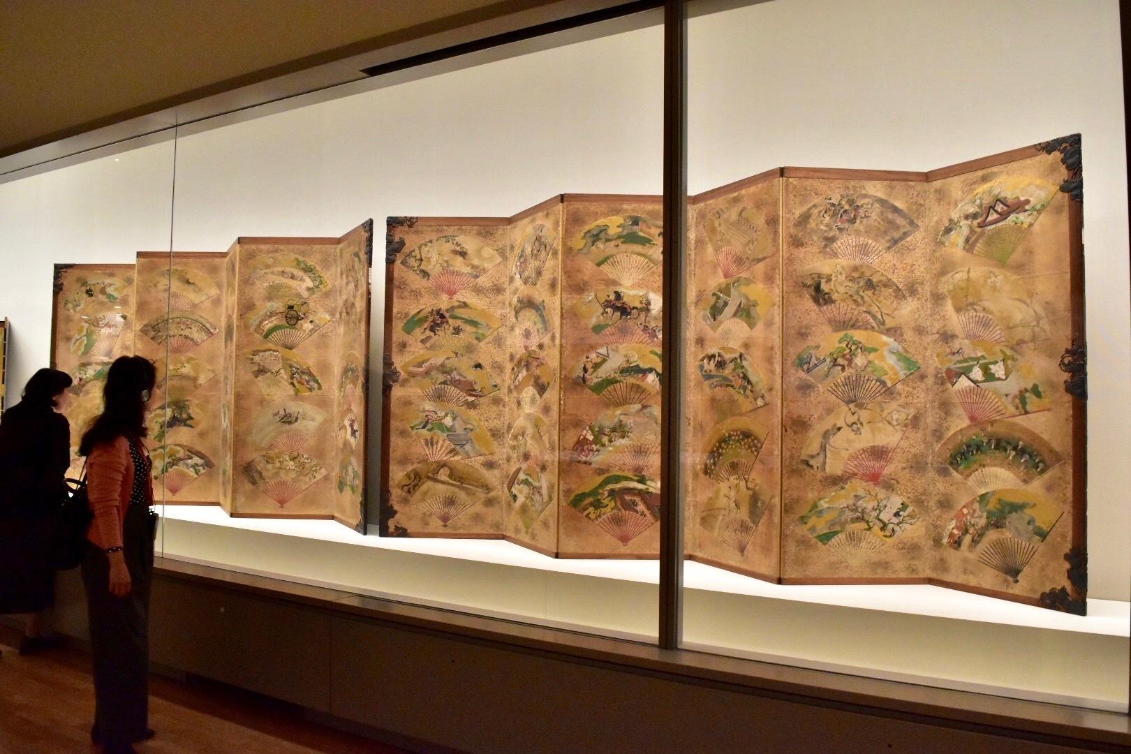 扇面貼交屏風 伝俵屋宗達筆 江戸時代・17世紀 東京国立博物館蔵