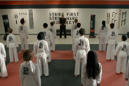 『ベスト・キッド』のその後を描く『コブラ会』新シーズンからポン・ジュノ監督『パラサイト』まで Netflix2021年1月ラインナップを発表