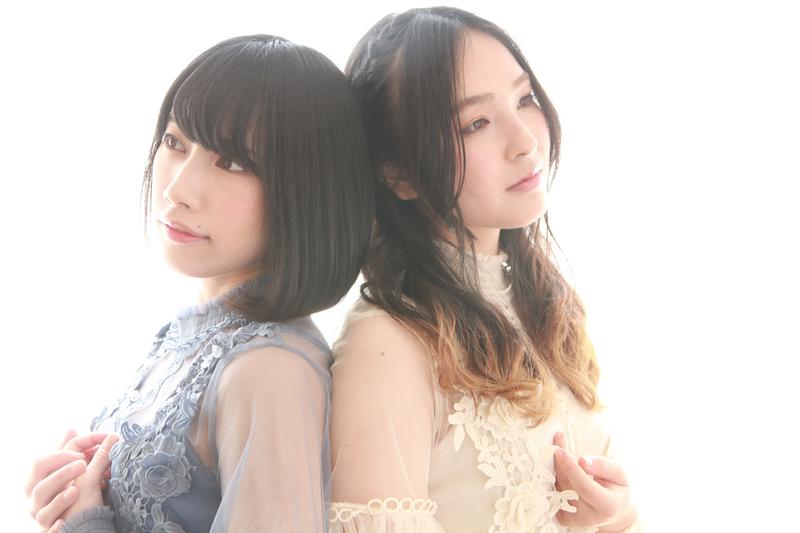 「Re-connect」(左:佐々木李子/右:Kyoco)