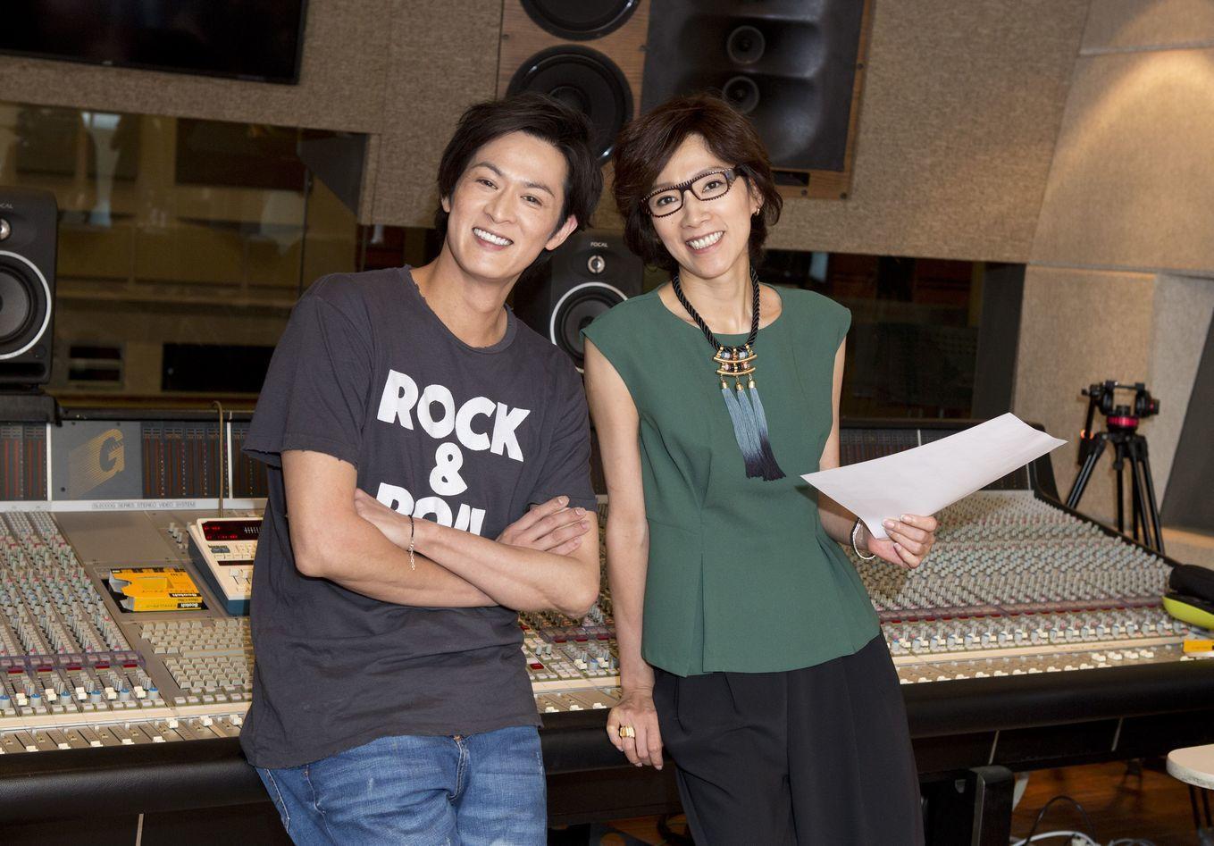 (左から)新納慎也、真琴つばさ
