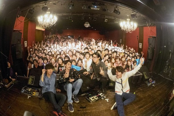 本日9月22日の大阪・Shangri-La公演の様子。(撮影:森下綾音)