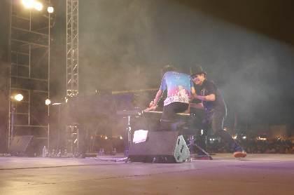 H ZETT M×まらしぃ、2台ピアノ演奏が『境港妖怪ジャズフェスティバル 2018』で実現 「残酷な天使のテーゼ」や「千本桜」などを披露