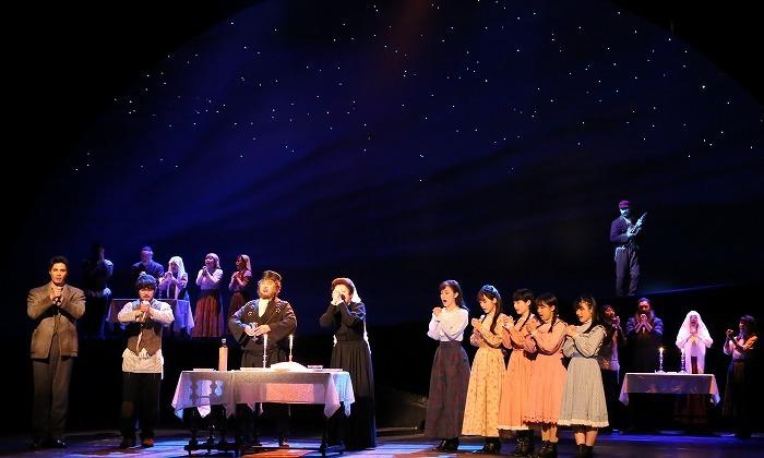 ミュージカル『屋根の上のヴァイオリン弾き』(2017年公演)より    写真提供=東宝演劇部