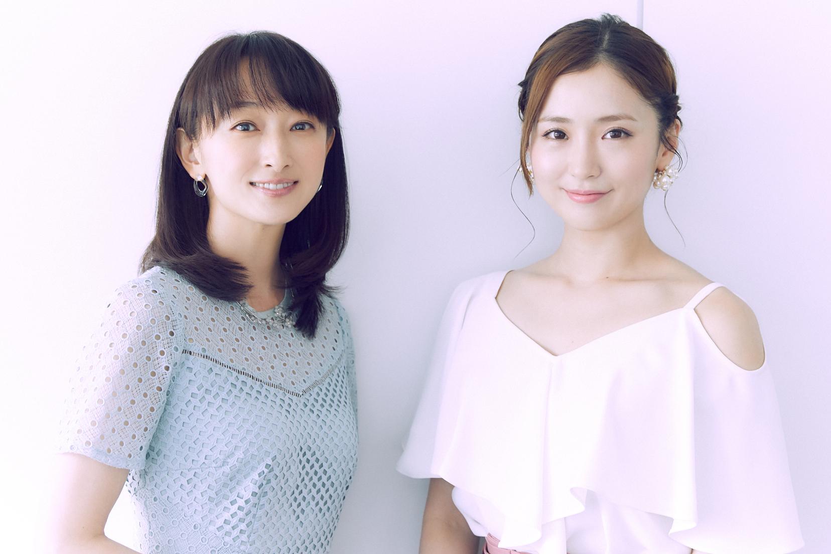 (左から)花總まり、笹本玲奈