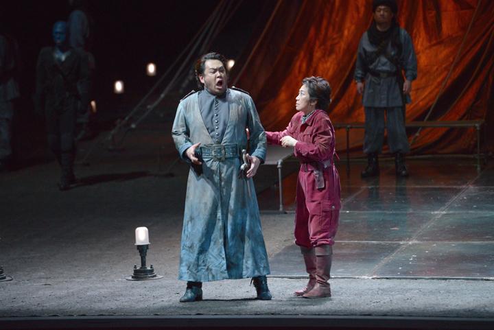 撮影:寺司 正彦/提供:新国立劇場