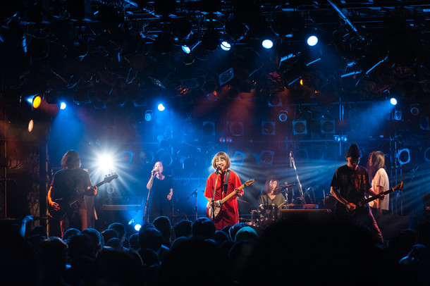 SEAGULL SCREAMING KISS HER KISS HER「ETERNAL ADOLESCENCE TOUR」東京・渋谷CLUB QUATTRO公演の様子。(撮影:アカセユキ)