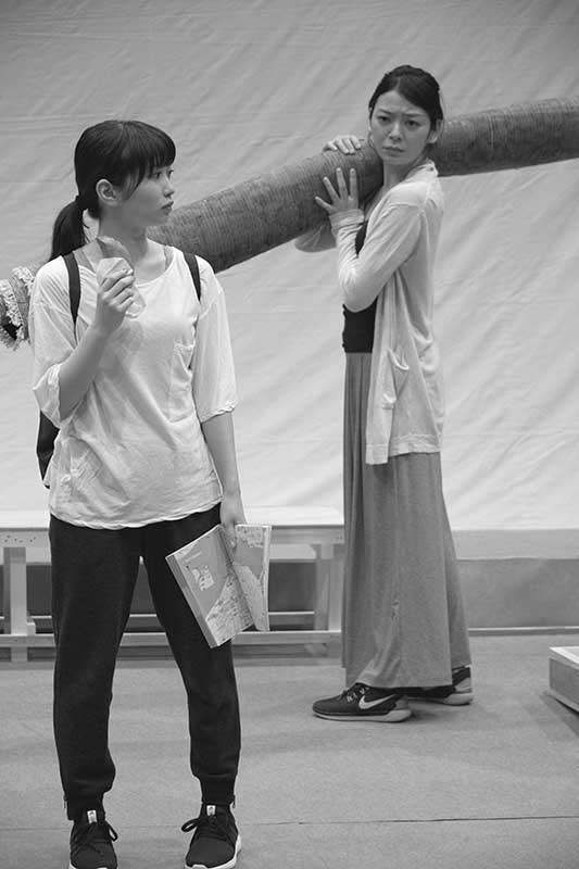 (左から)志田未来、田畑智子(撮影:久家靖秀)