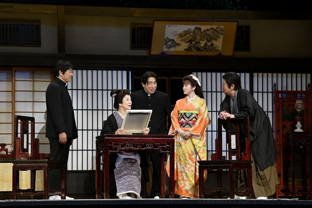(左から)高橋克実、銀粉蝶、段田安則、宮澤エマ、風間杜夫