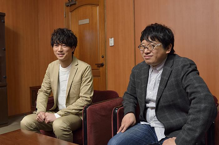 (左から)矢崎広、毛利亘宏