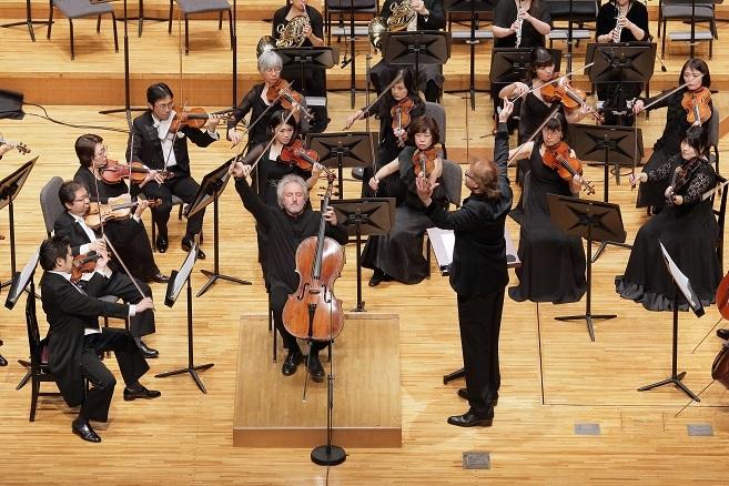 曲調の違う2曲のコンチェルトで聴衆を魅了したブルネロ。 (C)S.Yamamoto
