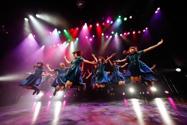欅坂46による東京・渋谷ストリームホールこけら落とし公演の様子。