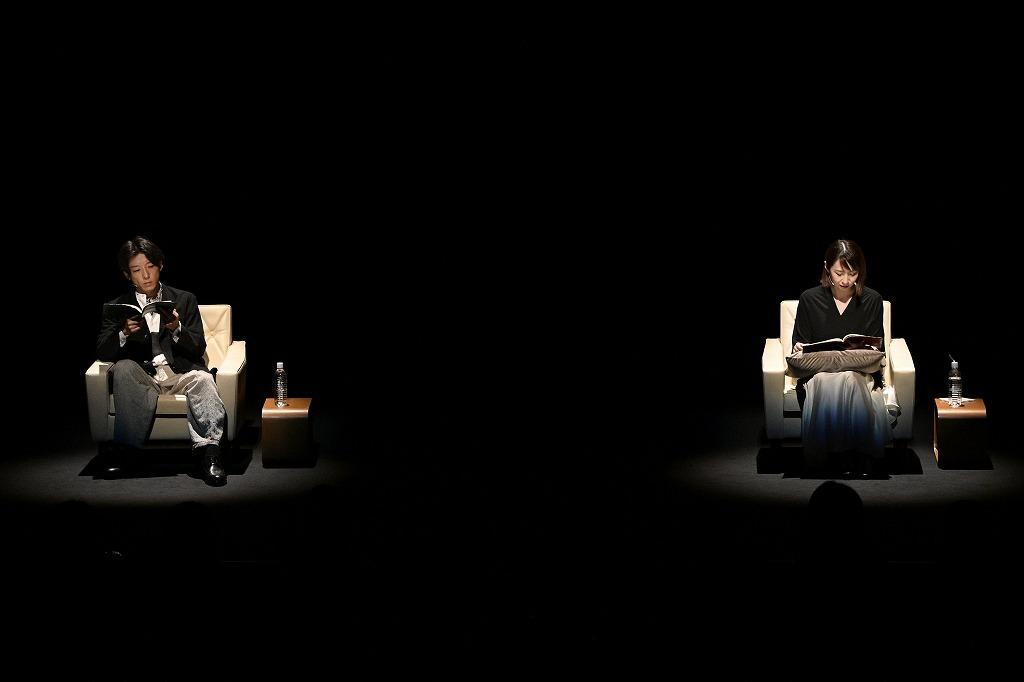 坂元裕二 朗読劇2021『「忘れえぬ 忘れえぬ」、「初恋」と「不倫」』  撮影:熊谷仁男
