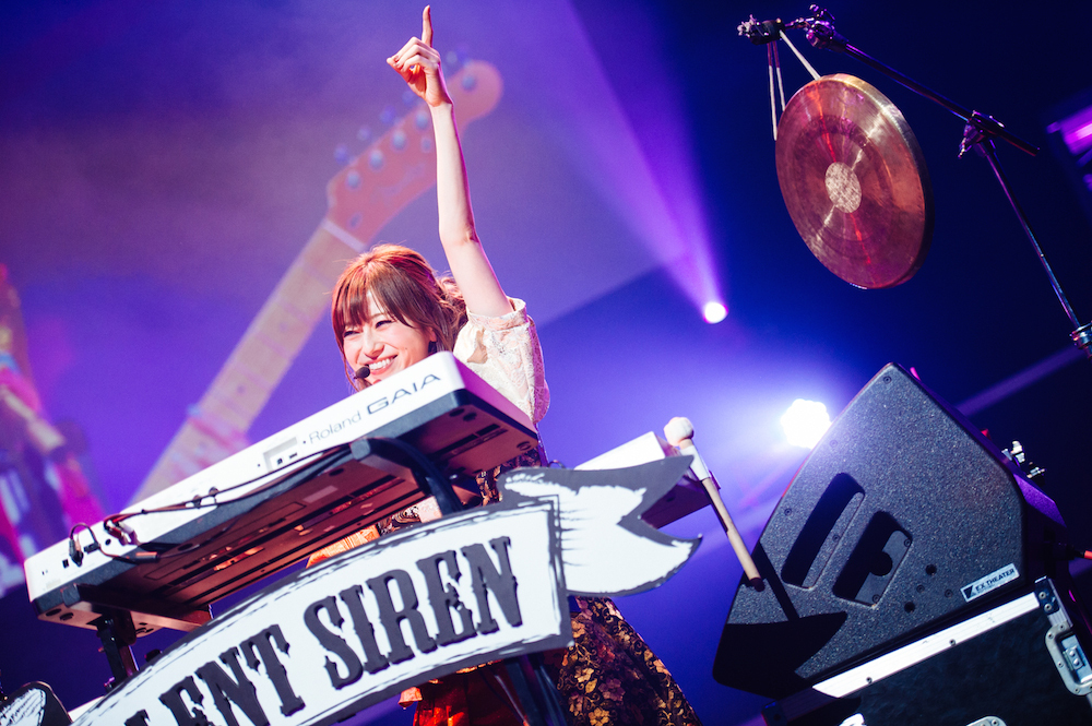 SILENT SIREN 撮影=ハタサトシ