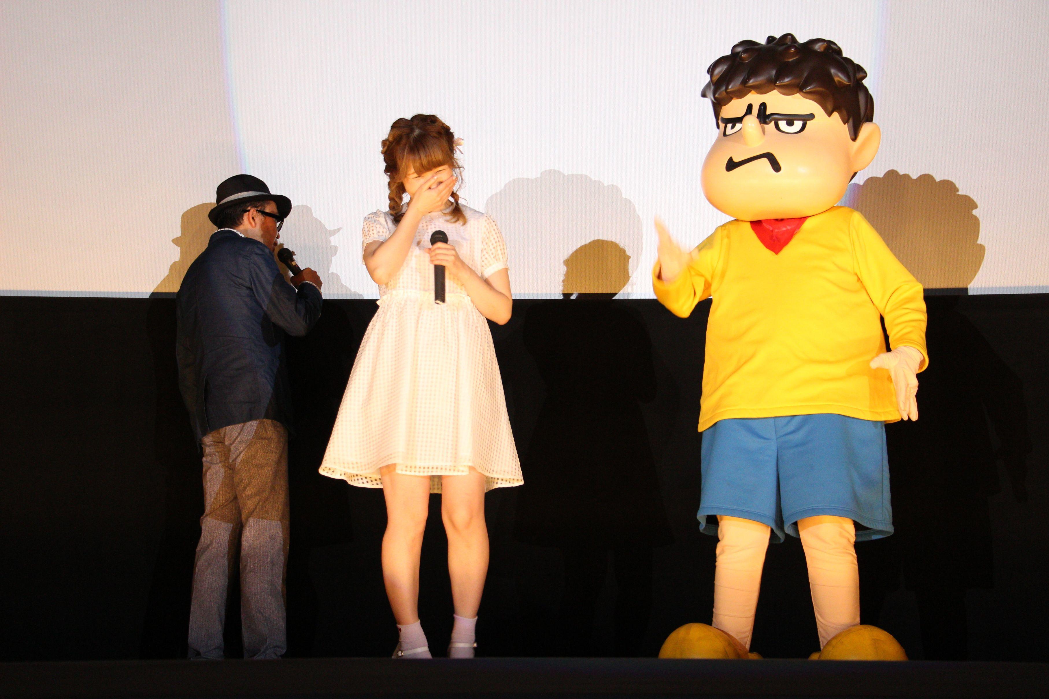 左から、FROGMAN、内田彩、吉田くん(声:FROGMAN)