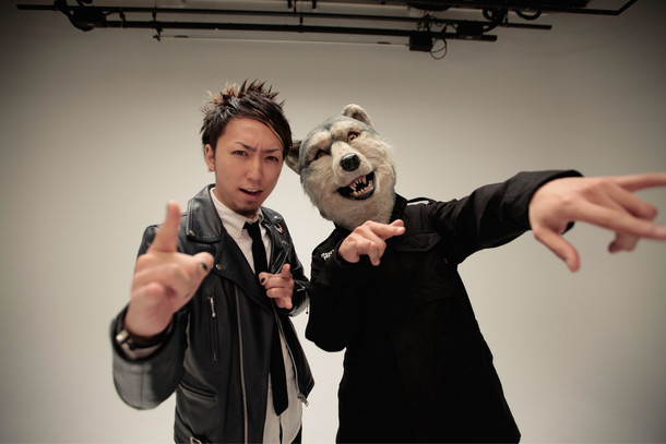 左からMAH(SiM)、Jean-Ken Johnny(MAN WITH A MISSION)。