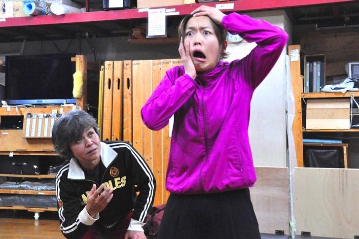 病院を訪れたスランプの童話作家・平井(久保田)は、無邪気な入院患者のレーコ(丹下)と出会う。童話が好きというレーコは、平井の前で『カッパミイラちゃん』という一風変わった童話を語り始める。