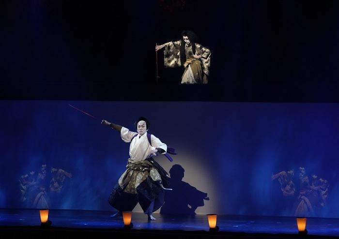 上段・山姥茨木婆=市川笑猿、平井保昌=中村獅一 (C)NTT・松竹P/(C)超歌舞伎
