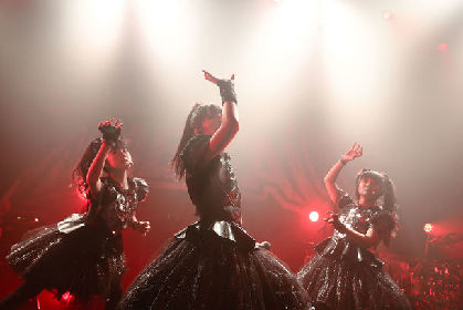 BABYMETAL、男だらけの赤坂BLITZで5大キツネ祭り開幕