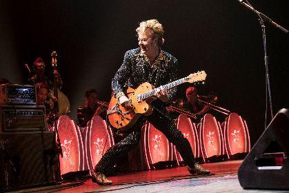 """25年間""""最新型""""のステージを見せ続けるブライアン・セッツァー・オーケストラ、日本ツアー東京公演をレポート"""