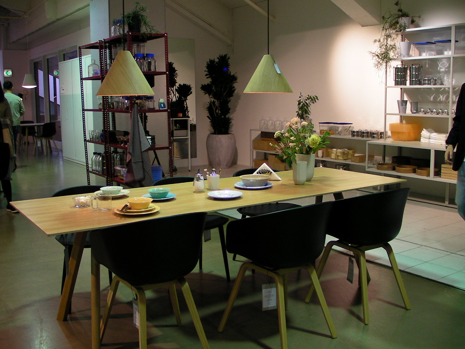 デンマークの人気インテリアブランド「HAY」。キッチングッズに焦点をあてた「HAY KITCHEN MARKET」として展開。 [map:40] @ifs未来研究所 未来研サロン WORK WORK SHOP
