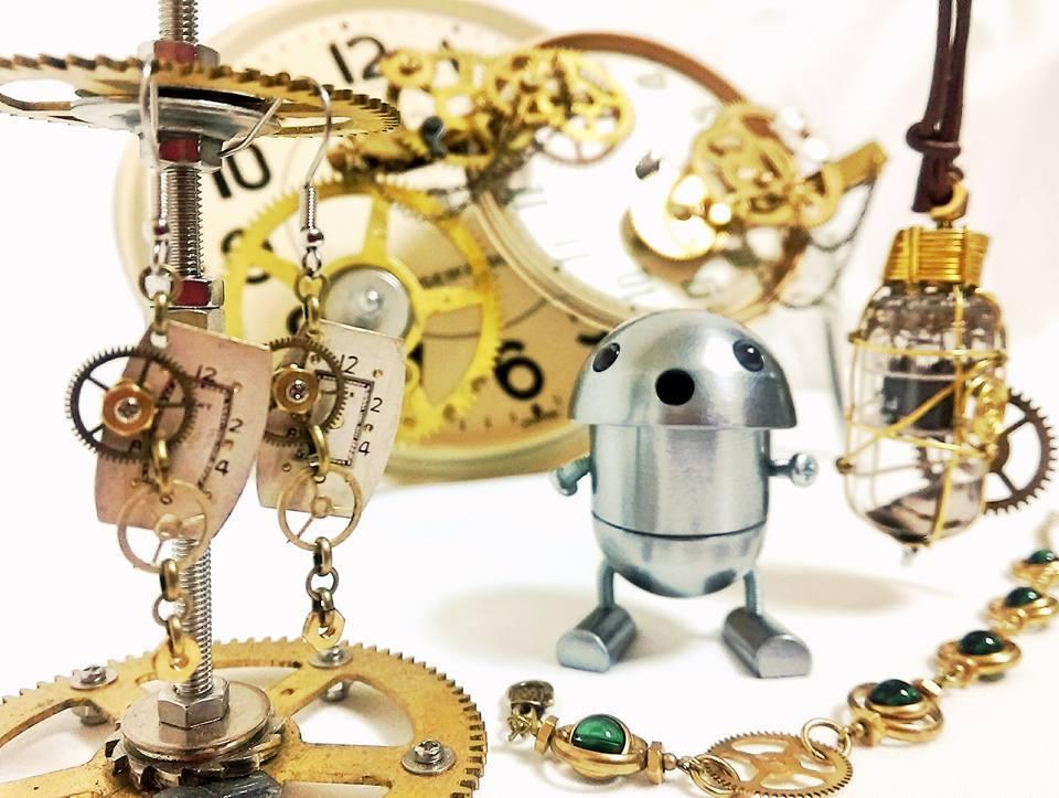 ヴィンテージ振り子時計の歯車を使ったアクセサリー(damys)