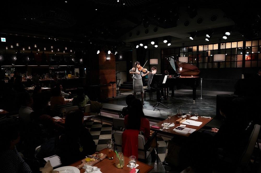 寺下真理子(Vin)、SUGURU(ピアノ)