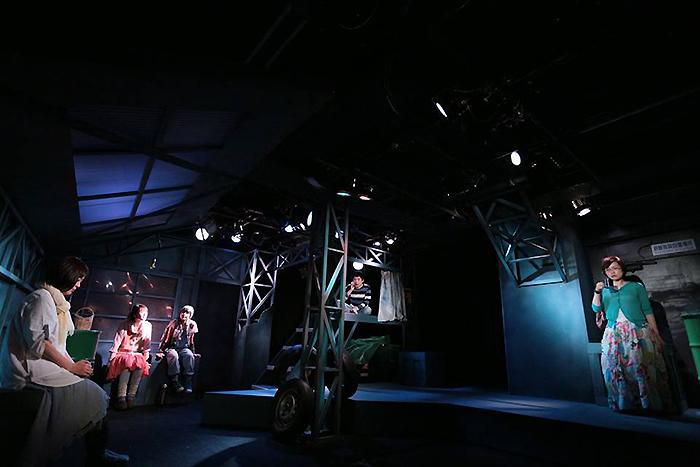 空の驛舎 第21回公演『どこかの通りを突っ走って』(2017年2月 ウイングフィールド)公演より