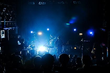 淡色の音が描き出す心象風景――mol-74『「colors」release tour』ファイナル・WWWワンマン