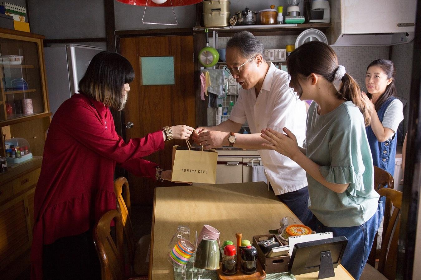 majiko、『限界団地』撮影現場を表敬訪問