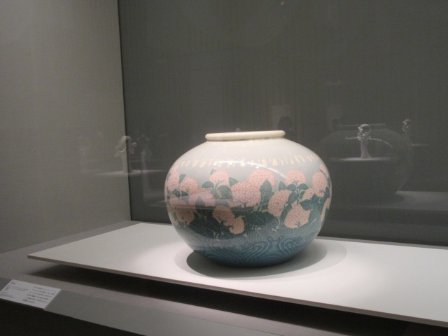 壺《秋》 器形:クロード・ニコラ・アレクサンドル・サンディエ 装飾:レオナール・ジェブルー 1900年頃