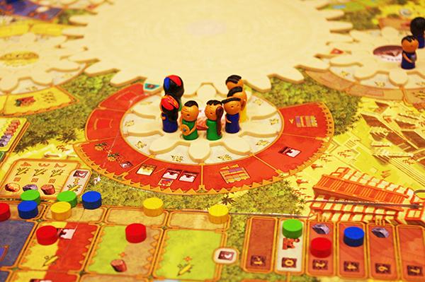 ワタクシ達が遊んでいるボードゲームはこんな感じ