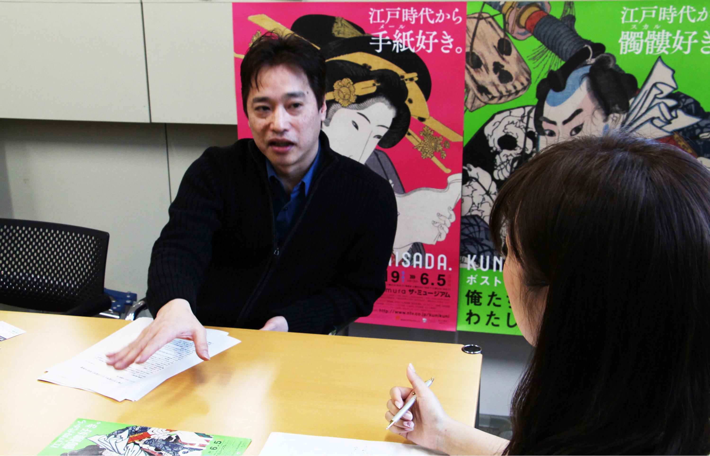 インタビューの様子/撮影=山岡美香