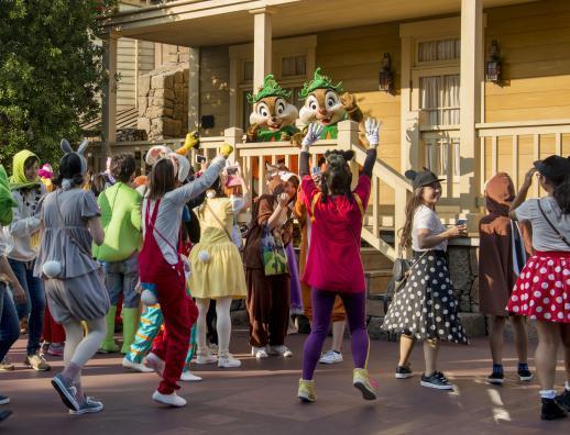 コース途中で、ディズニーの仲間たちが 参加ゲストを応援 (C)Disney