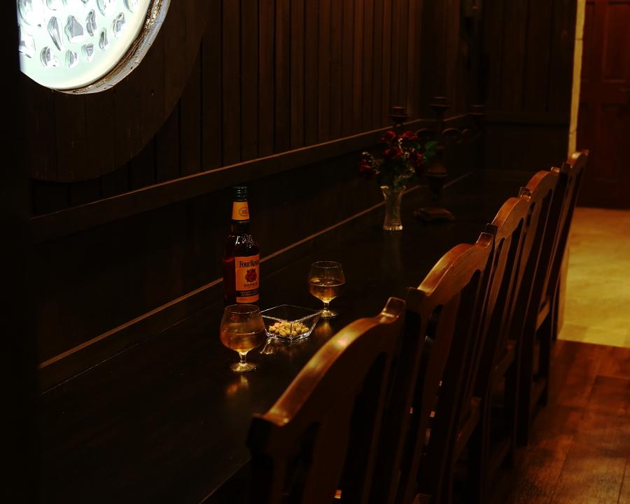 船内の酒場