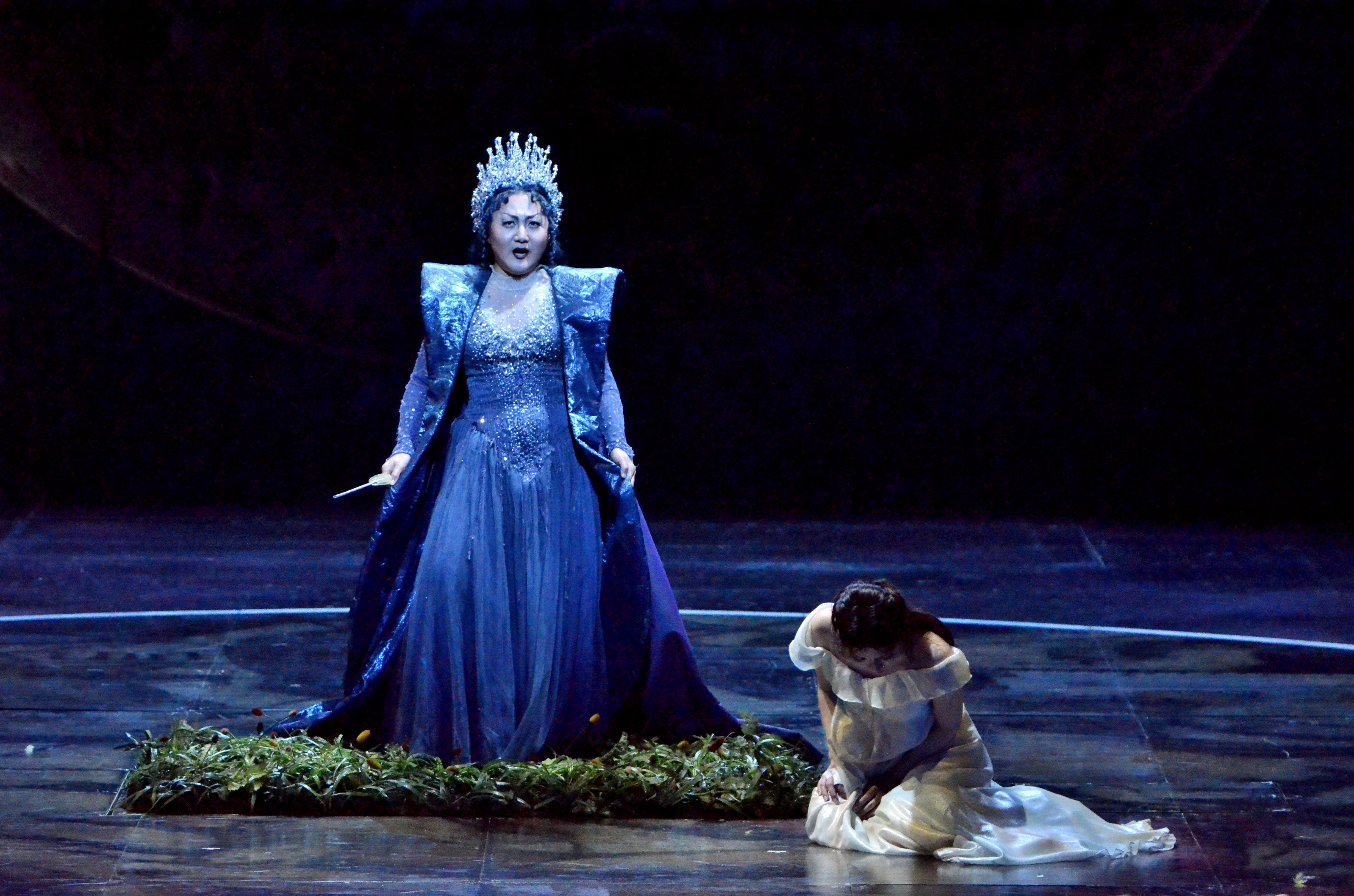 夜の女王とパミーナ(新国立劇場「魔笛」2013年公演より)