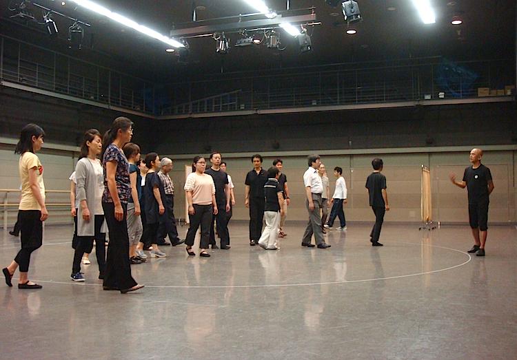 愛知県芸術劇場合唱団のワークショップ風景
