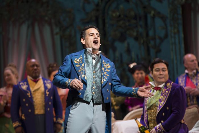 フアン・ディエゴ・フローレス (c)Marty Sohl/Metropolitan Opera