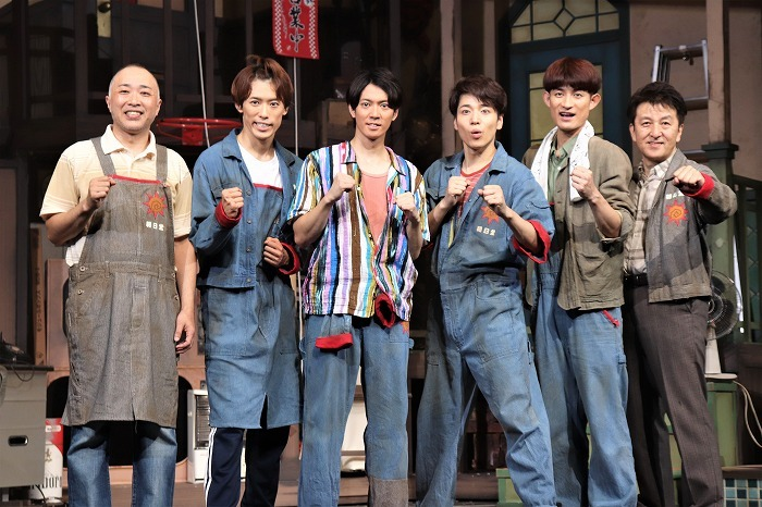 (左から)八十田勇一、越岡裕貴、辰巳雄大、福田悠太、松崎祐介、大高洋夫