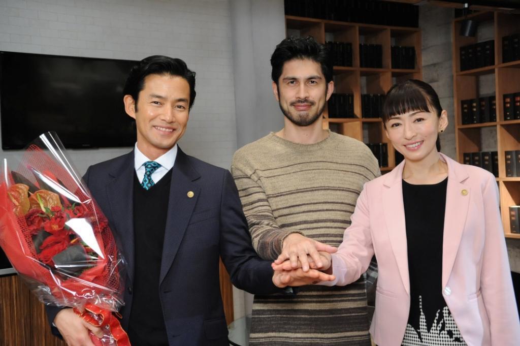 写真左から、竹野内豊 / 平井 堅 / 松雪泰子