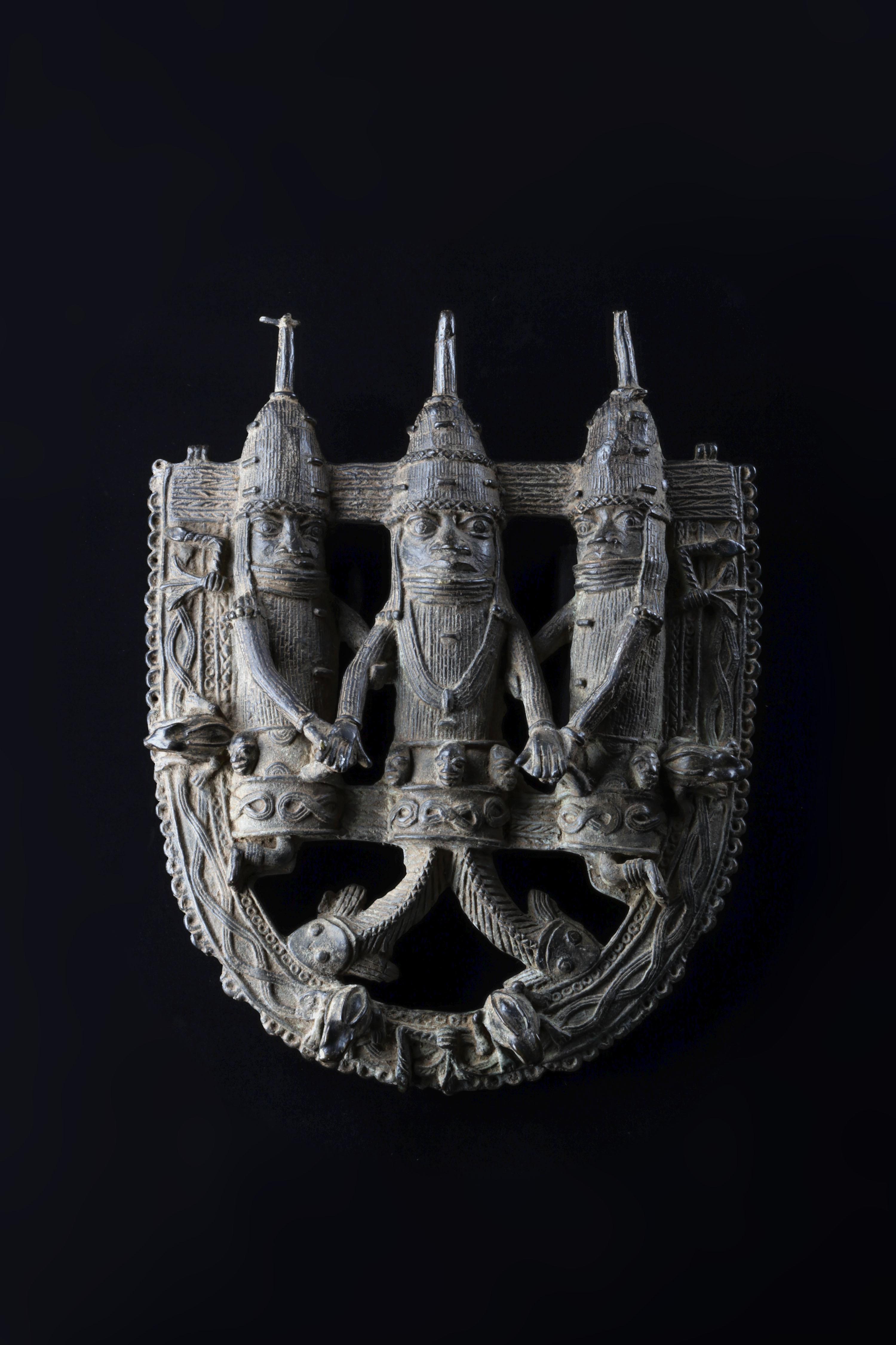 飾り板(魚足王)(ナイジェリア)