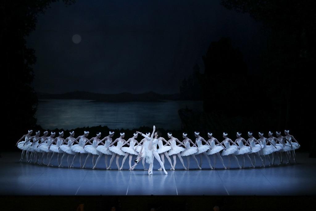 ブルメイステル版「白鳥の湖」 photo by Kiyonori Hasegawa