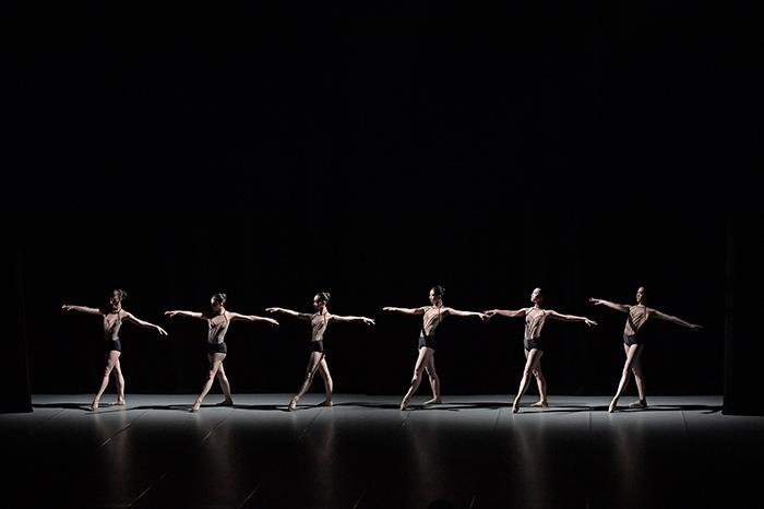 ジョン・ヒョンイル作品『The Seventh Position』(前回公演より) ©鹿摩隆司