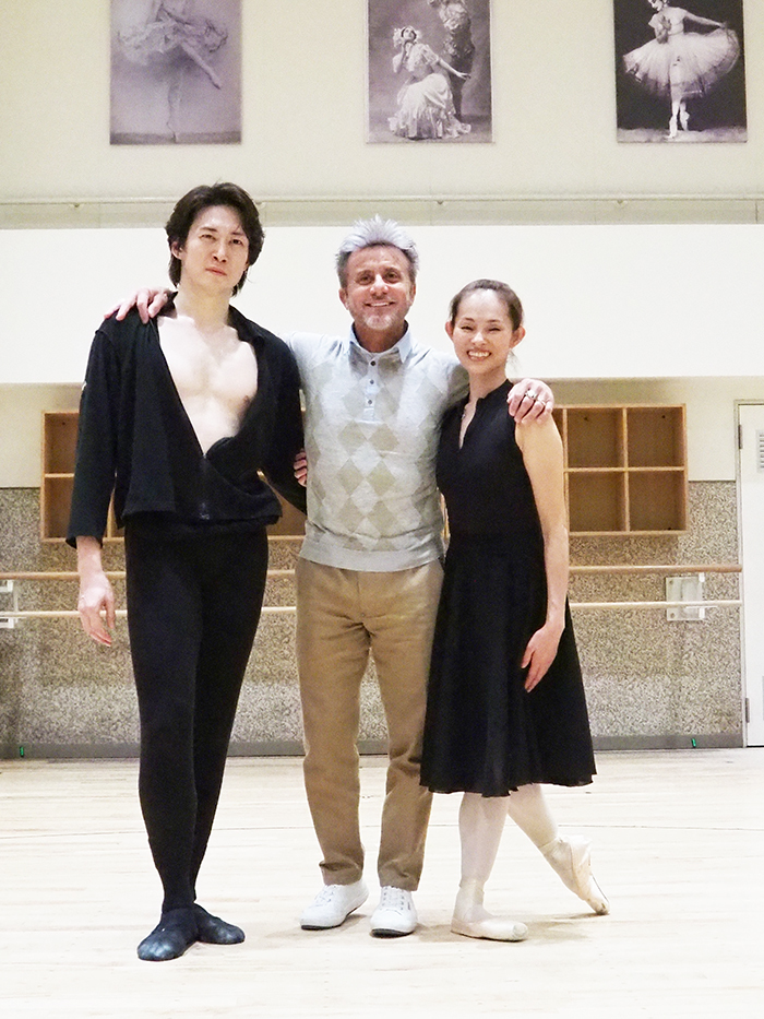 (左から)宮尾俊太郎、ルイジ・ボニーノ、荒井祐子
