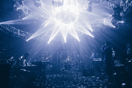 Nulbarich、自身初の配信ライブ『Nulbarich Live Streaming 2020 (null)』公式レポート到着、来年リリースの新曲披露&新たなコラボゲストも登場